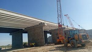 Установка мостовых балок, нашего производства